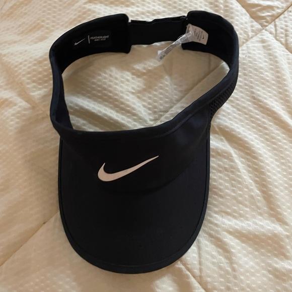 Black Nike Visor
